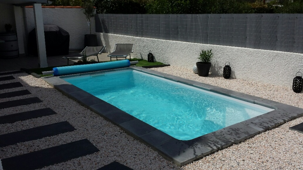 pose piscine coque best piscine creuse terrasse with pose. Black Bedroom Furniture Sets. Home Design Ideas